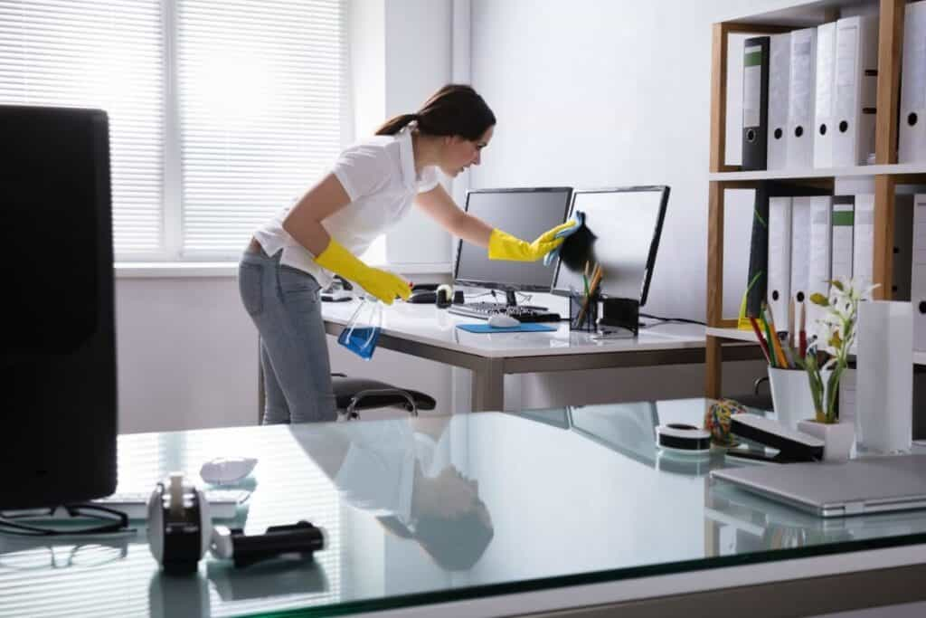 Cleaning homes is a flexible way to make extra cash on a daily basis.