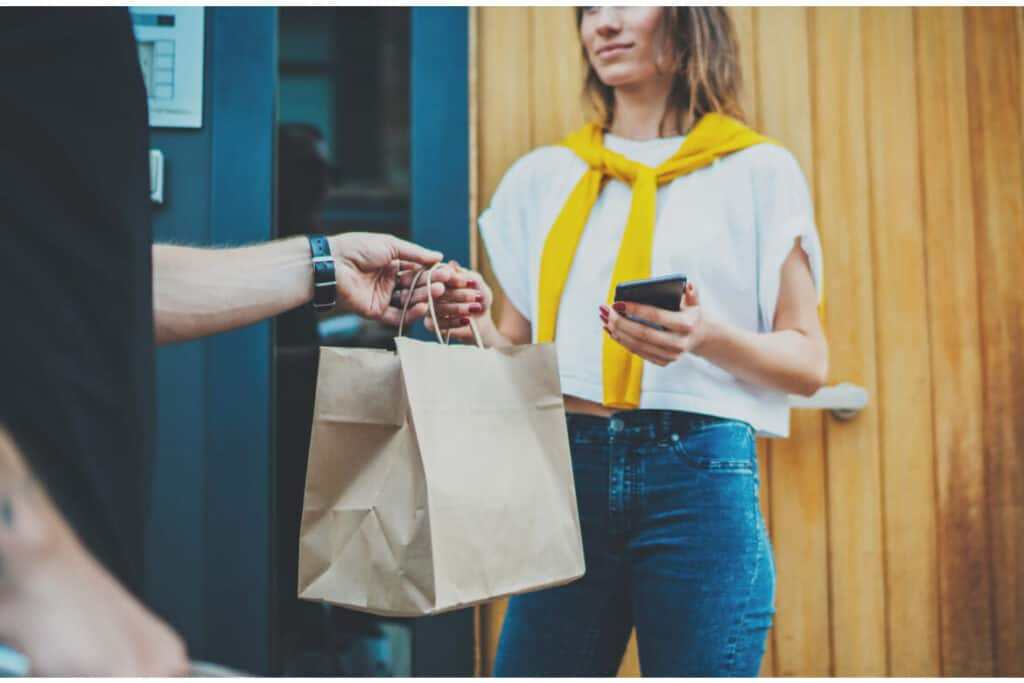 Food delivery is one of the most flexible, and well-paying ways to make money with your phone.