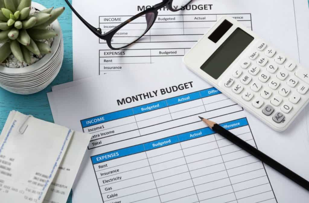 A monthly budget template can take an unpleasant chore, and make it easy.