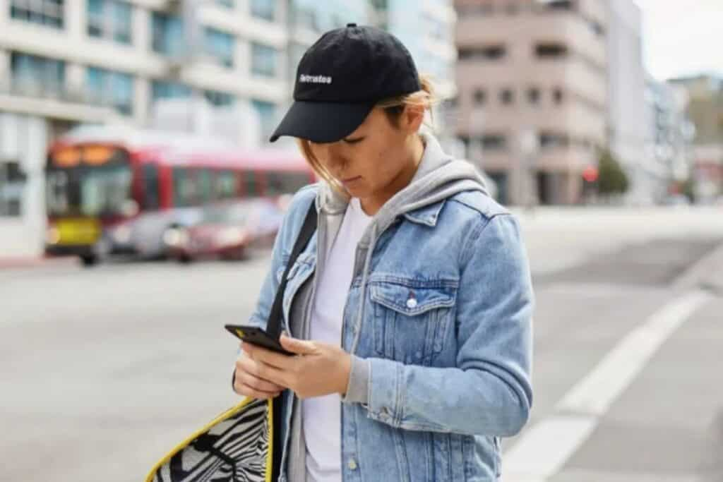 Postmates vs DoorDash scheduling has some key differences, but once you're familiar with them you should be able to clear $20 an hour consistently.